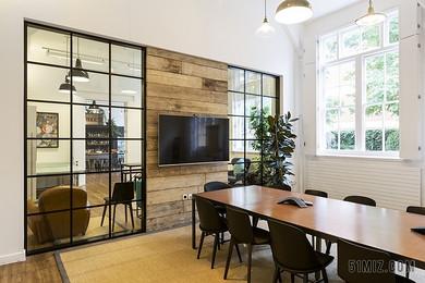 干凈整潔商務辦公室家具背景圖片
