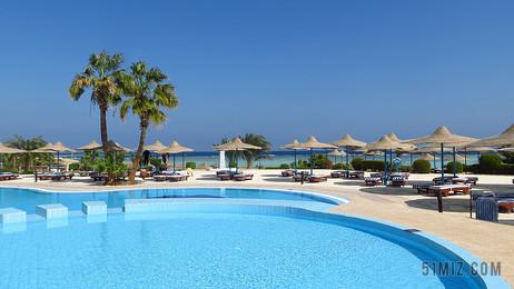 藍色戶外旅游游泳池休閑度假背景圖片
