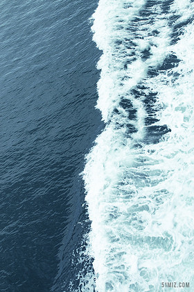 特寫藍綠色大海波紋